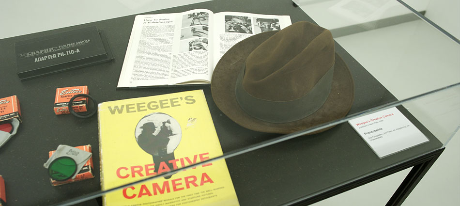hartmut-buehler-fotografie-reportage-zur-ausstellung-weegee-the-myth