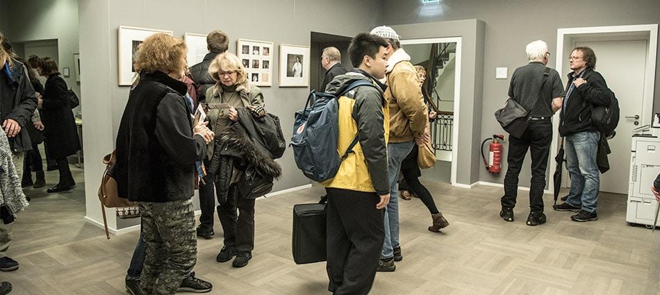 106-fotoausstellung-im-haus-der-universitaet-duesseldorf-von-hartmut-buehler